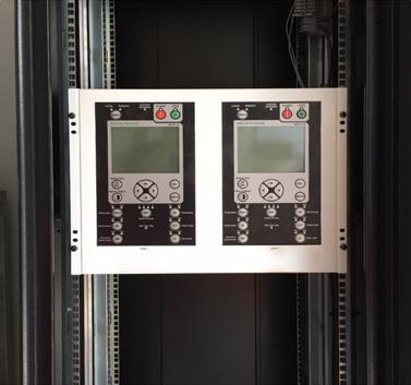 Figure 4 – O Religador OSM da NOJA Power usado em uma Subestação na Nova Zelândia com o Painel Remoto HMI