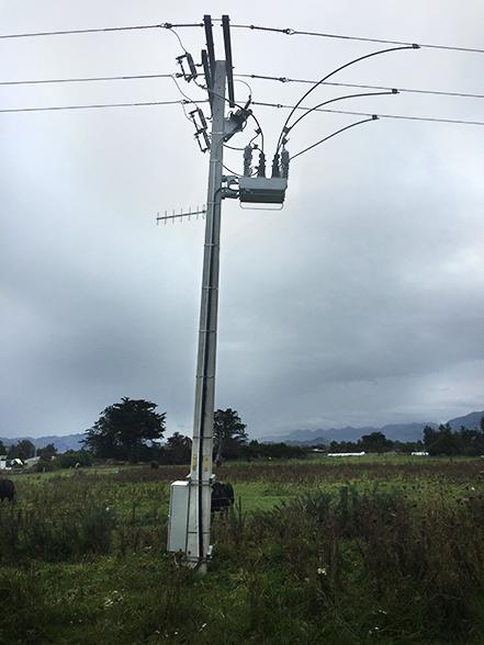 Instalação de um religador NOJA Power após um terremoto