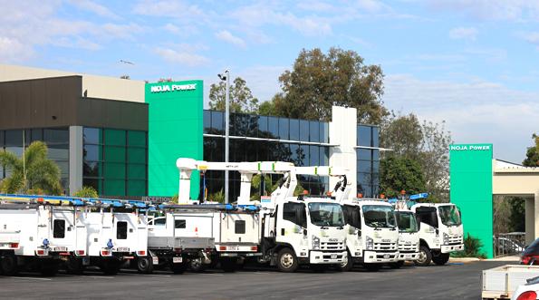 Comboio da concessionária local estacionado nas novas instalações da NOJA Power