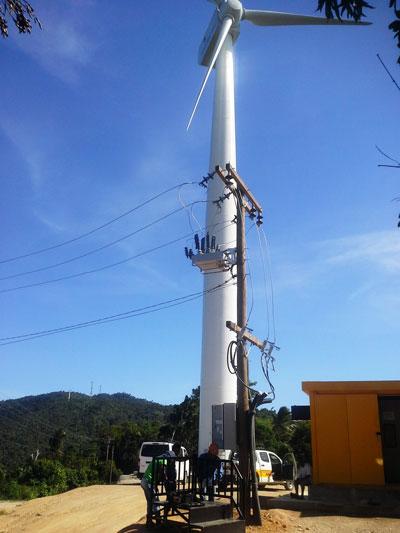 Ponto de conexão do Religador OSM da NOJA Power com um Parque Eólico Filipino