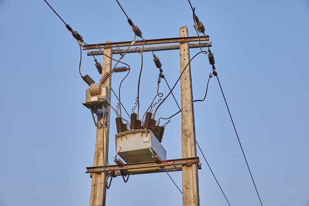 Religador OSM NOJA Power com Controle RC15 em operação na Nigéria.