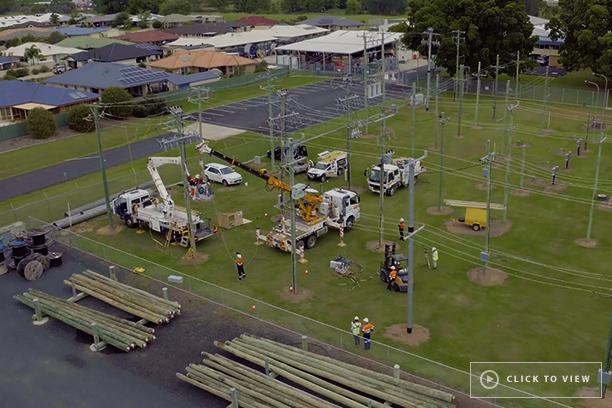Grafton, Nova Gales do Sul, a equipe de vendas da Australia Pacific na NOJA Power juntou-se à Essential Energy em seu campo de treinamento